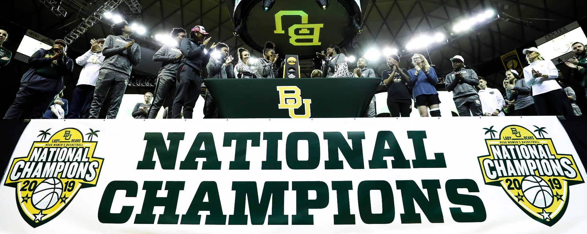 1bf2238744cb63 THOUSANDS WELCOME BACK NATIONAL CHAMPS - Baylor University Athletics